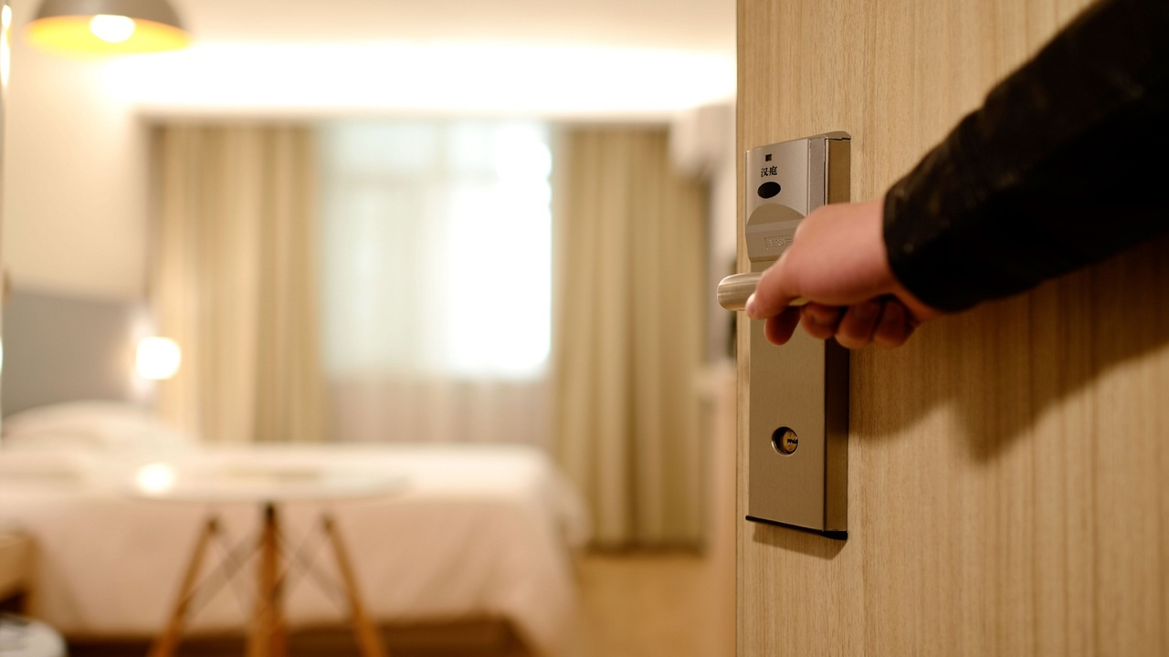 New Jersey mandates panic buttons for hotel room cleaners