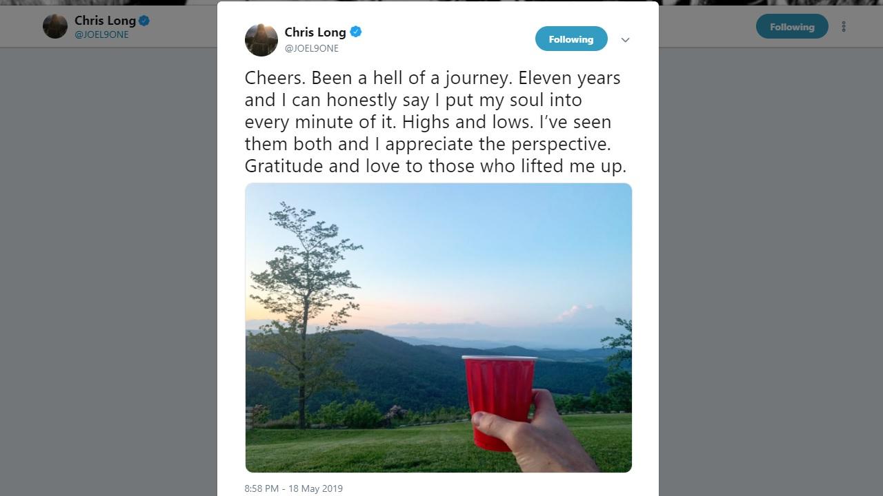 Eagles defensive end Chris Long announces retirement