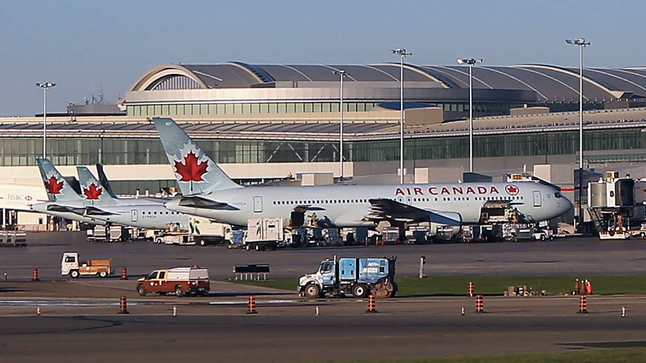 Woman describes waking up 'all alone' on 'pitch black' Air Canada plane after crew disembarked