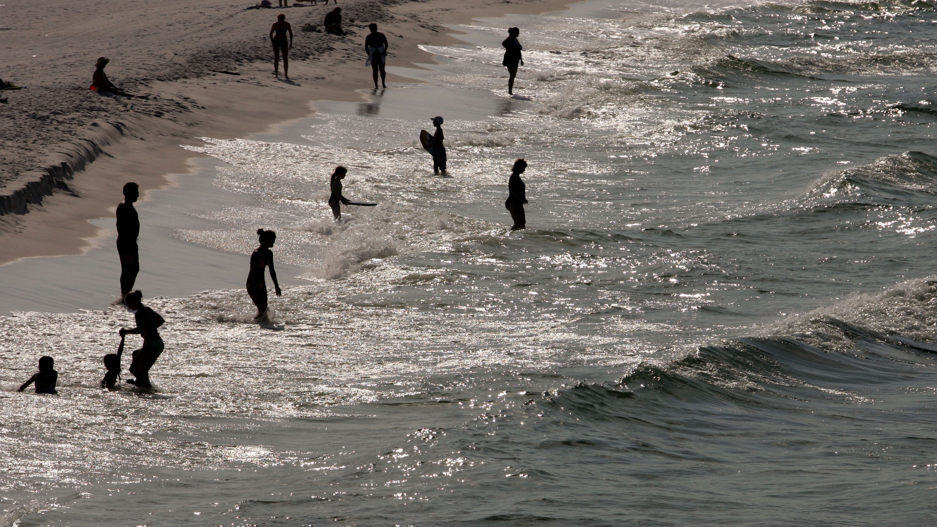 Mom says girl developed deadly 'flesh-eating' bacteria while visiting popular Florida beach
