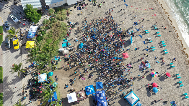 633 divers break world record for largest underwater cleanup at Florida beach