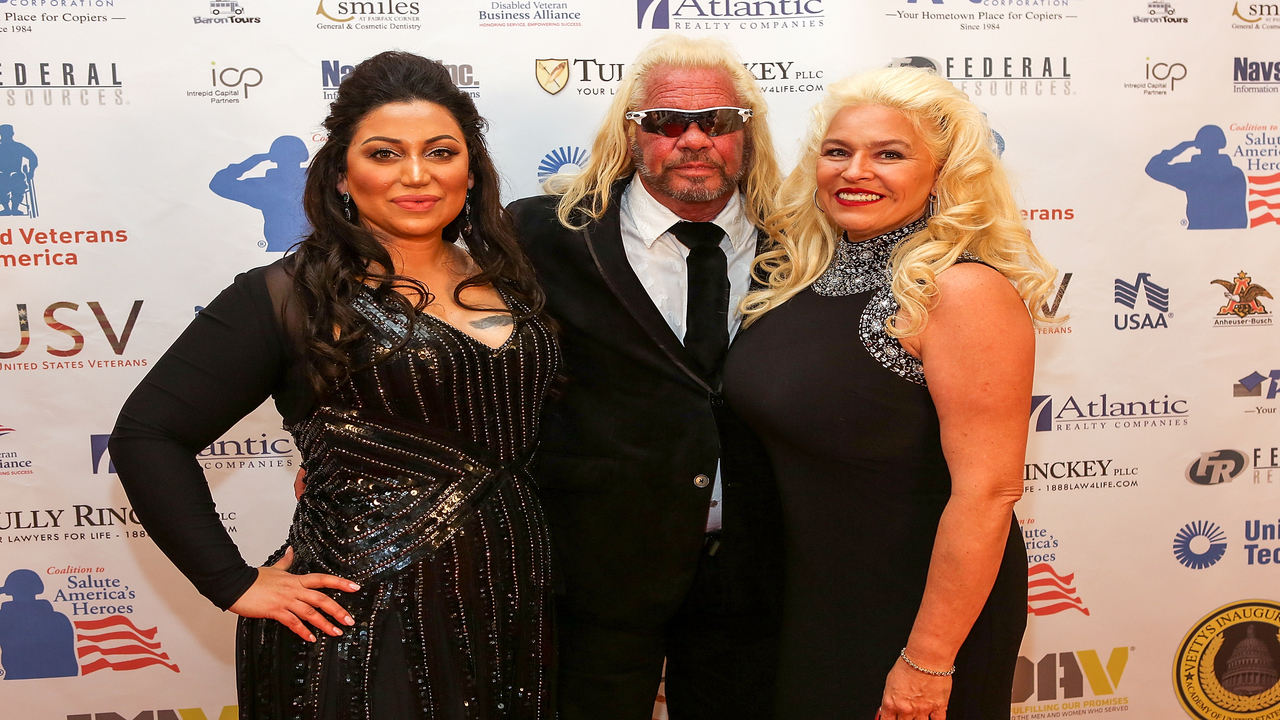 Beth Chapman remains in medically-induced coma