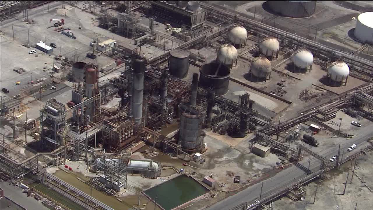 South Philadelphia refinery files for bankruptcy after fire, explosion