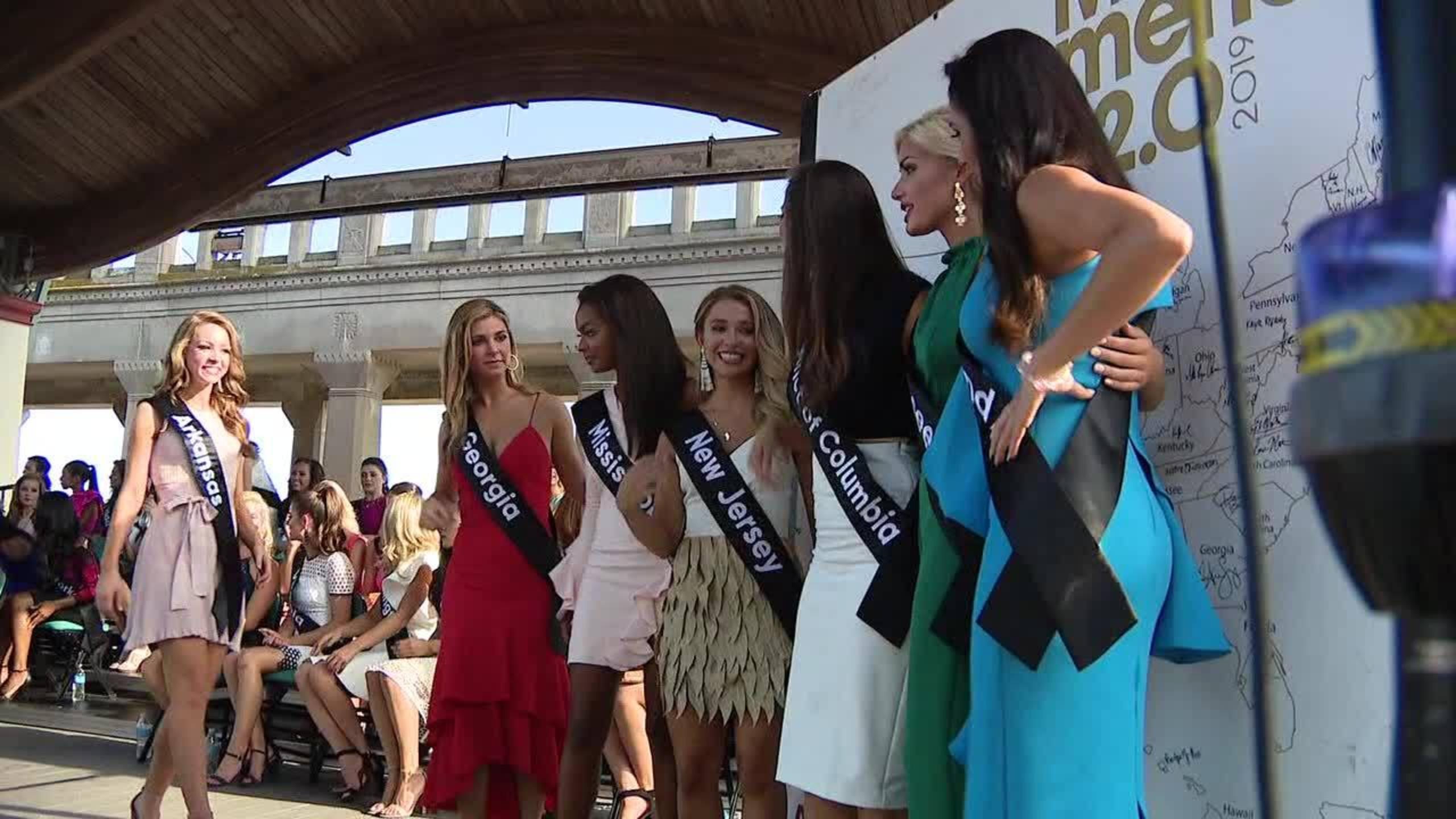 Gretchen Carlson stepping down as Miss America chairwoman