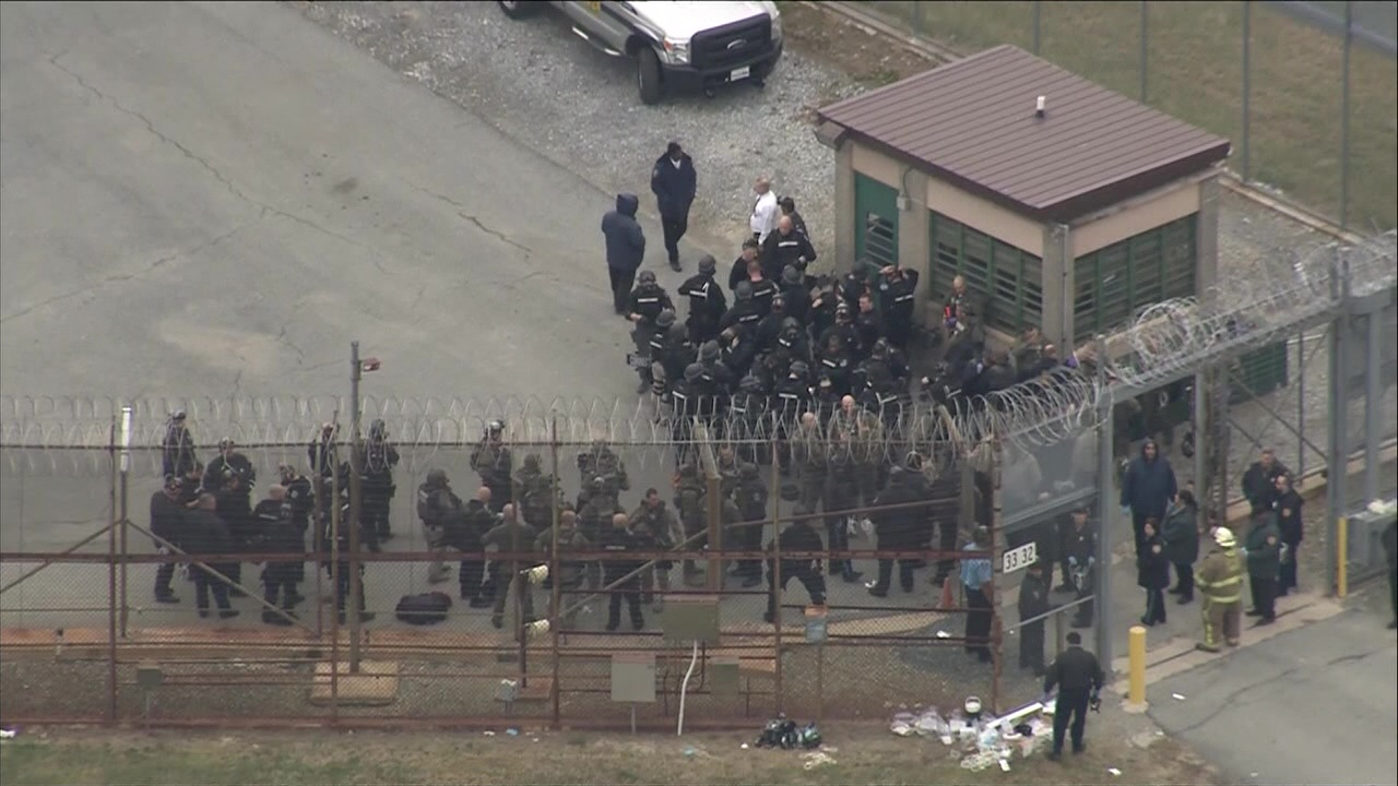 Prosecutors give up on more trials in Delaware prison riot